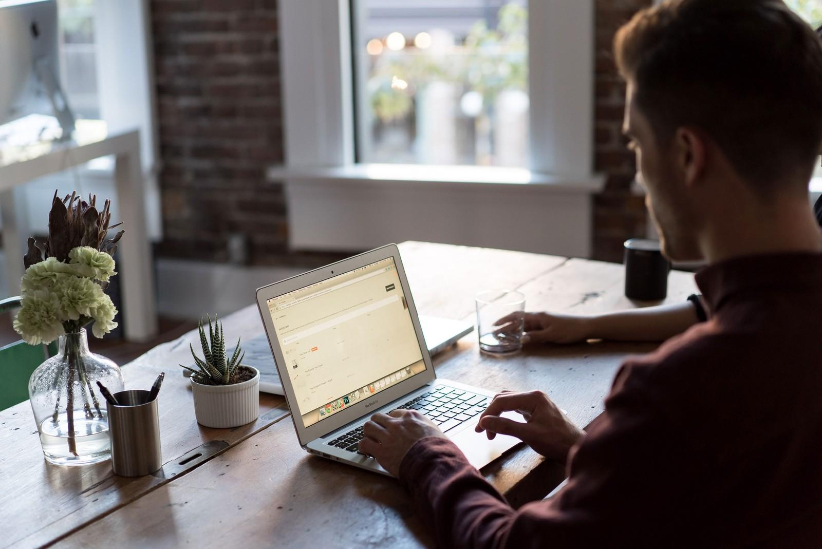 Dicas para se adaptar melhor ao trabalho em casa durante pandemia